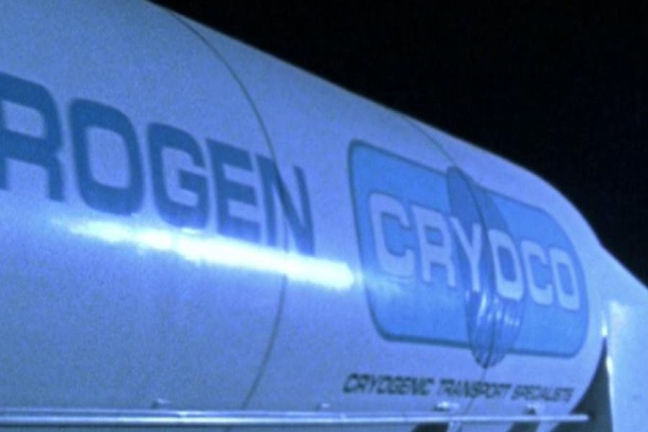 """<p><strong>Figure 2.2</strong> The tagline, """"Cryogenic Transport Specialists"""" is legible on the tanker trailer as the T-1000 drives off in the Cryoco truck.</p>"""