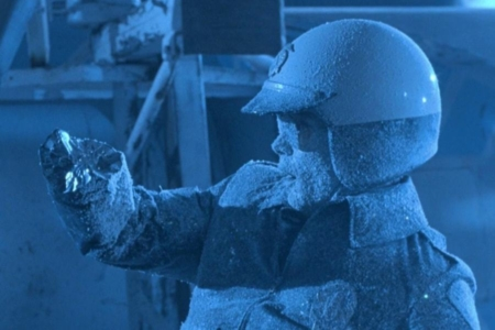 <p><strong>Figure 1.2</strong> The T-1000 realizes it made a big mistake stealing the Cryoco truck with its tanker of liquid nitrogen.</p>