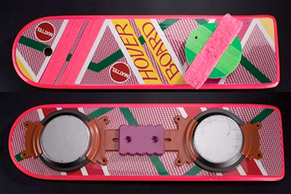 <p><strong>Figure 1.2</strong> Top and bottom views of the original Hoverboard prop from <em>Back to the Future Part II</em>, from its auction listing. The hover apparatus left little room for logos on the bottom of the deck. Source: <em>PropStore</em><em>.com</em></p>