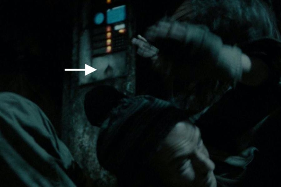 <p><strong>Figure 4.2</strong> A closer look, as Kyle Reese stumbles past, reveals it to be the Skynet mark cast in the metal surface. Source: <em>Terminator: Salvation</em></p>
